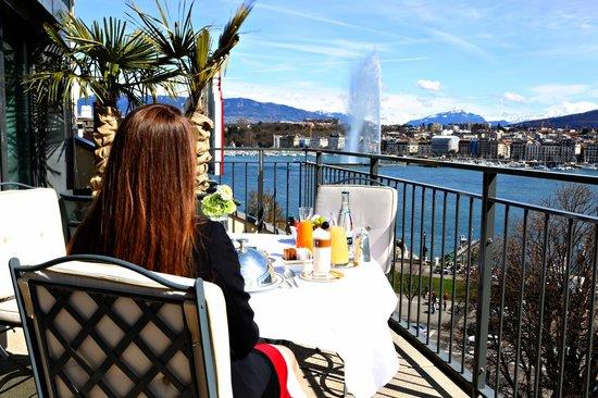 Le Richemond, Geneva Dorchester Collection : Terrace view of  Lake Geneva