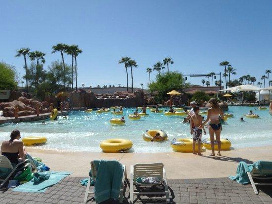 Arizona Grand Resort & Spa: Wave Pool
