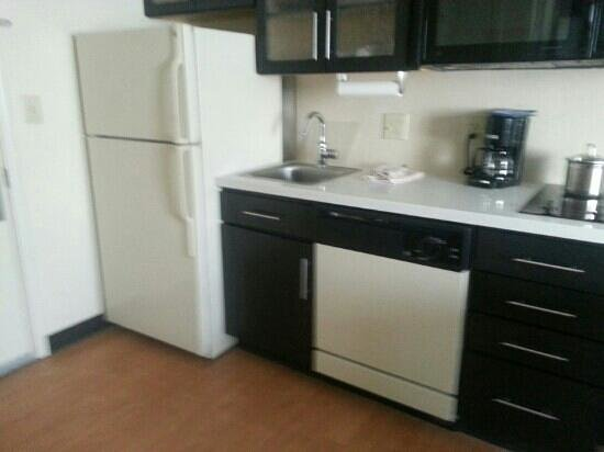 Candlewood Suites - San Antonio NW Medical Center: kitchen