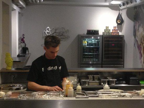 Bar'sushi: konsentreret kokke ..