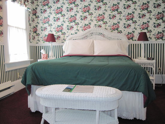 Blushing Rose Bed and Breakfast Photo