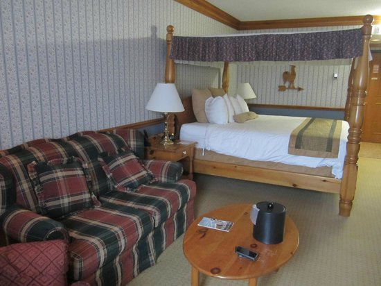 Best Western Fireside Inn: Sitting area room 234