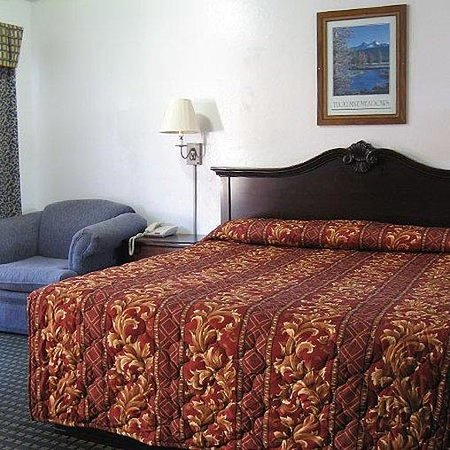 Jamestown Railtown Motel: Single Bed