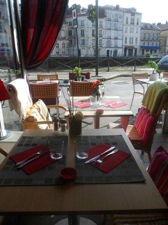 Bayona, Francia: Toutes portes ouvertes....sous le soleil...