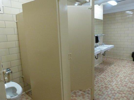 40 Berkeley: Bathroom 2