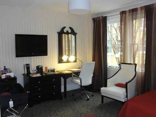 Artmore Hotel: Sitting  area