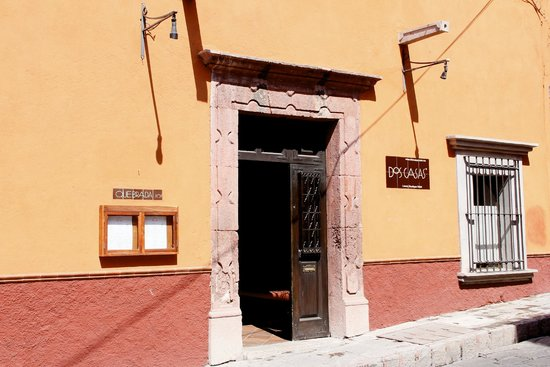 Hotel Dos Casas: The unassuming exterior of the hotel entrance