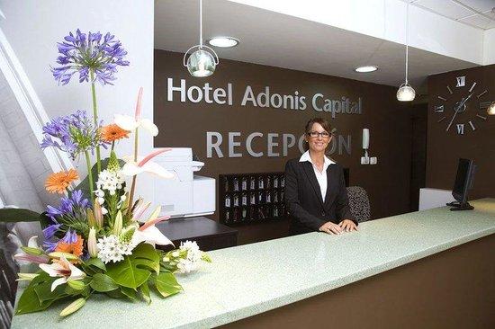 Hotel Adonis Capital: Lobby