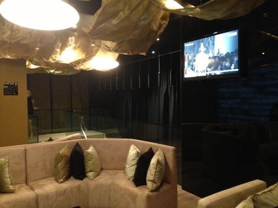 9HOTEL MERCY: lobby