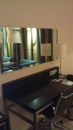 Renaissance Amsterdam Hotel: Workspace