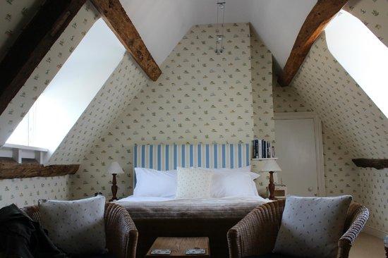 Seymour House: Lovely attic room!