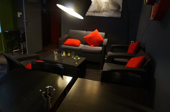 Hôtel de la placette : Hier kan je iets drinken of ontbijten.