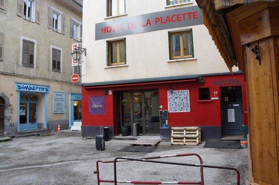 Hôtel de la placette : Locatie op het pleintje.