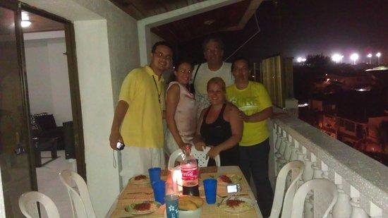 Sheylla's Place: Balcon, cena italiana con John, Caro y nuevos amigos