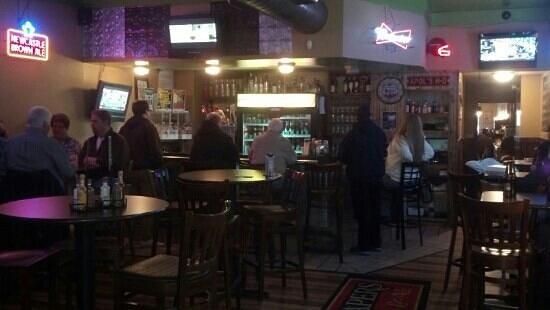 Raapers: Bar area