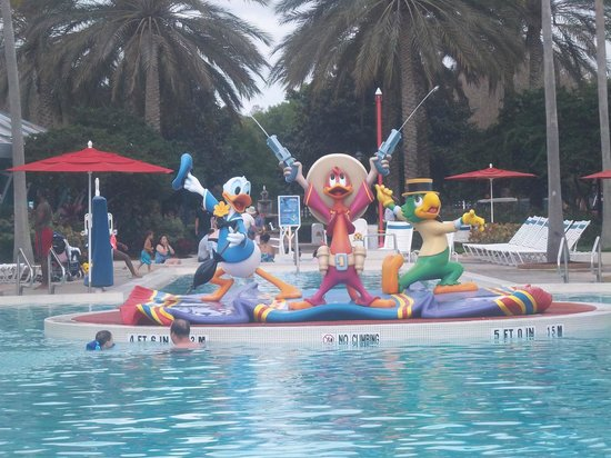 Disney's All-Star Music Resort: Close Up of Main Pool Icon