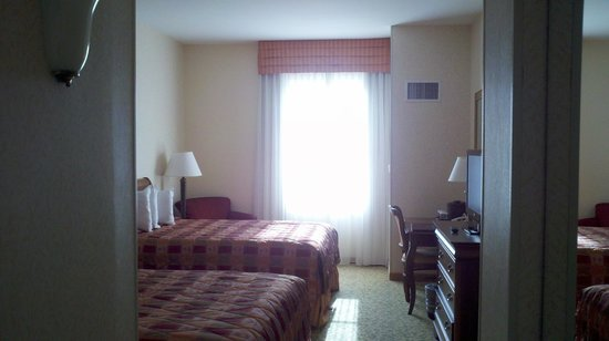 Stonewall Jackson Hotel and Conference Center: Double double guest room