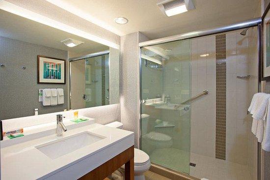 Hyatt Place LAX El Segundo: Guest Bathroom