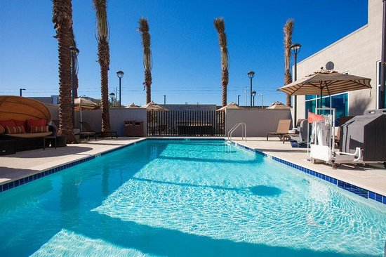 Hyatt Place LAX El Segundo: Pool & Spa