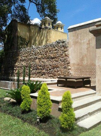 El Convento Boutique Hotel: grounds