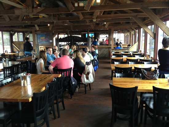 The Lobster Trap Fish Market and Restaurant : Open Dining Setup - Great Bar at End