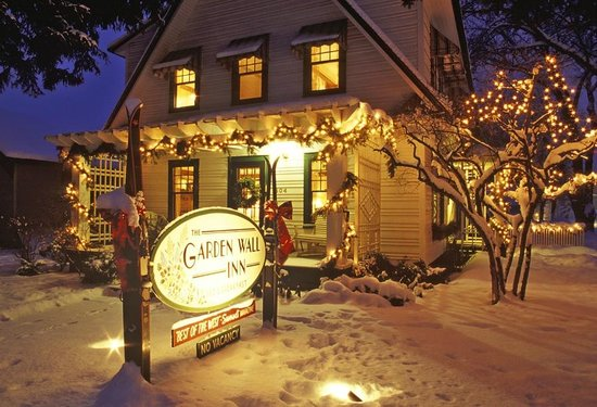 Garden Wall Inn: Winter