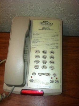Knights Inn & Suites Near University of Richmond: dirty phone