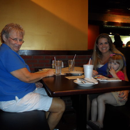 Biggie's Clam Bar: Fun for the Family!