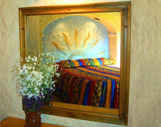 Hotel Bosques del Sol suites: REFLEJO EN ESPEJO RECAMARA