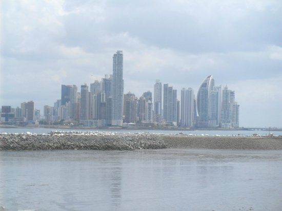Royal Decameron Golf, Beach Resort & Villas: Panama City skyline