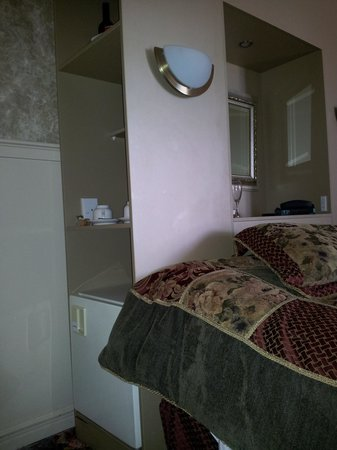 Princes Gate Hotel: Fridge by Head