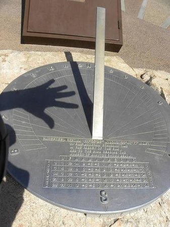 Carefree Sundial: Plenty of sun!!
