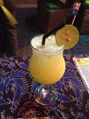 Bali Beach Shack : Lolly banana cocktail - Pretty bad.