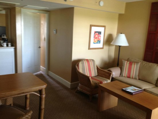 Living room picture of arizona grand resort spa for Living room of satoshi review
