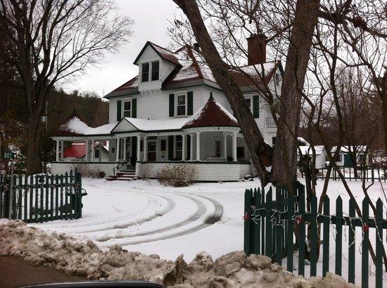 Les Trois Erables: A lovely old house