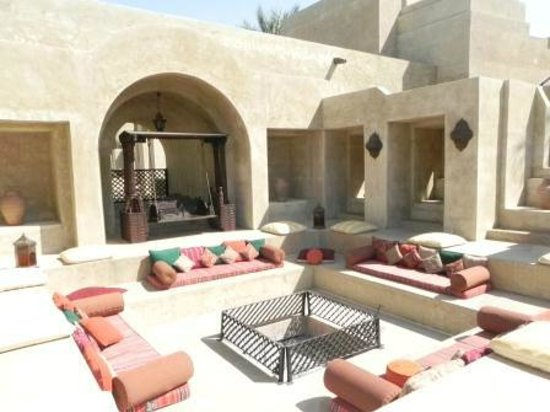 Bab Al Shams Desert Resort & Spa: Cantos e encantos do hotel