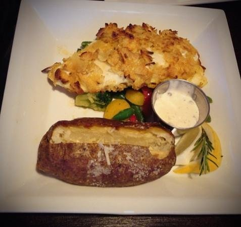 cafe tuscano: Potatochip crusted halibut