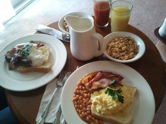 Victoria House Motor Inn: Full breakfast