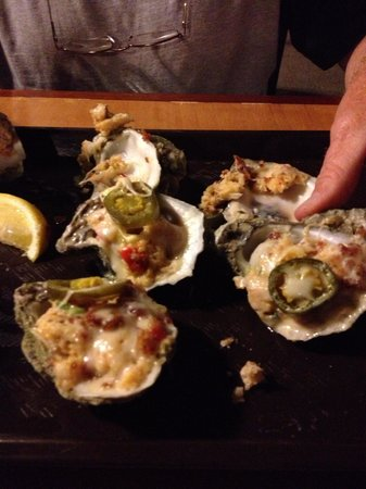 Bailey's Crab House and Seafood Market: Oysters with everything on them. They were great!!!!