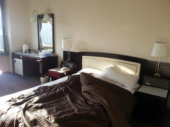 Court Hotel Hiroshima : Double room non smoking pic 2