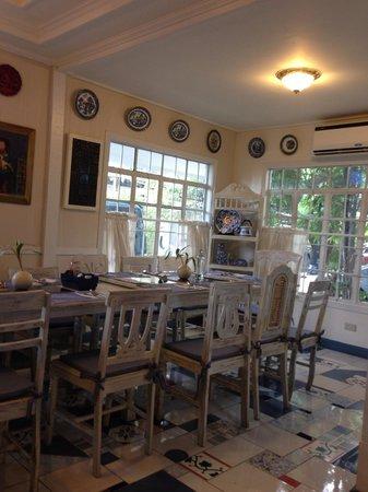 Photo of Cafe Rustic Mornings by Isabelo at 11 Isabelo Mendoza Street, Marikina, Philippines