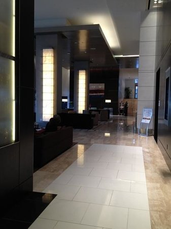 Loews Atlanta Hotel: lobby