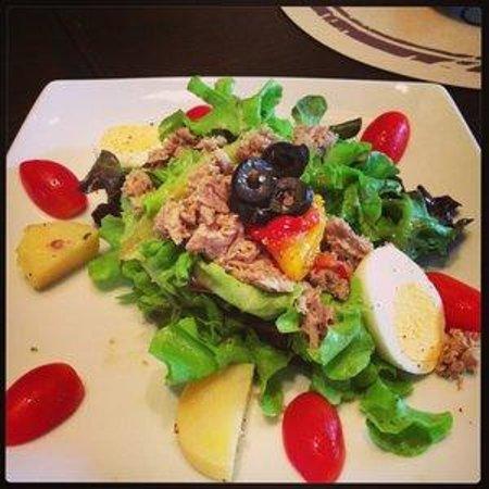 Wine Connection Deli & Bistro - K Village Sukhumvit 26: tuna salad with egg