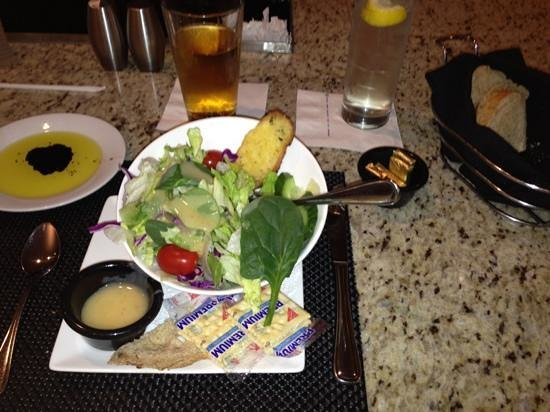 Hilton Atlanta Northeast: salad & bread & $3 beer special