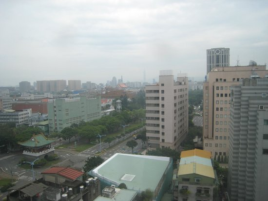 Taipei Garden Hotel: Unblocked view from Room, although it is at the central of Taipei, Can you see Taipei 101 Tower?