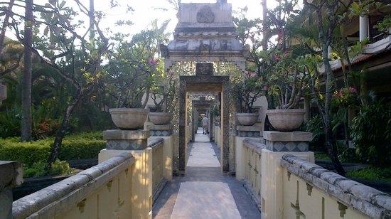 The Tanjung Benoa Beach Resort - Bali: Walk path before construction