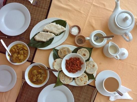 Sunbeach Hotel: ontbijt