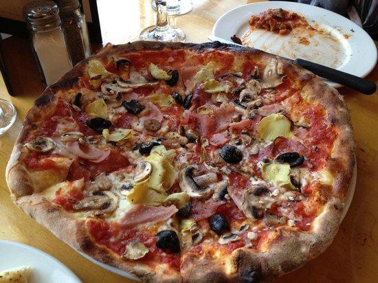 Marcello Pizzeria: Pizza