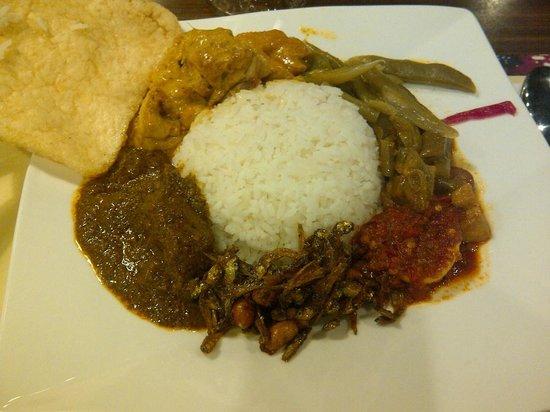 Padang Restaurant : Nasi Padang (mixed Padang rice)