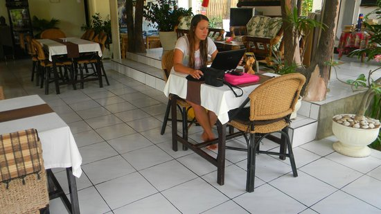 Ray Beach Inn Hotel : RESTAURANTE